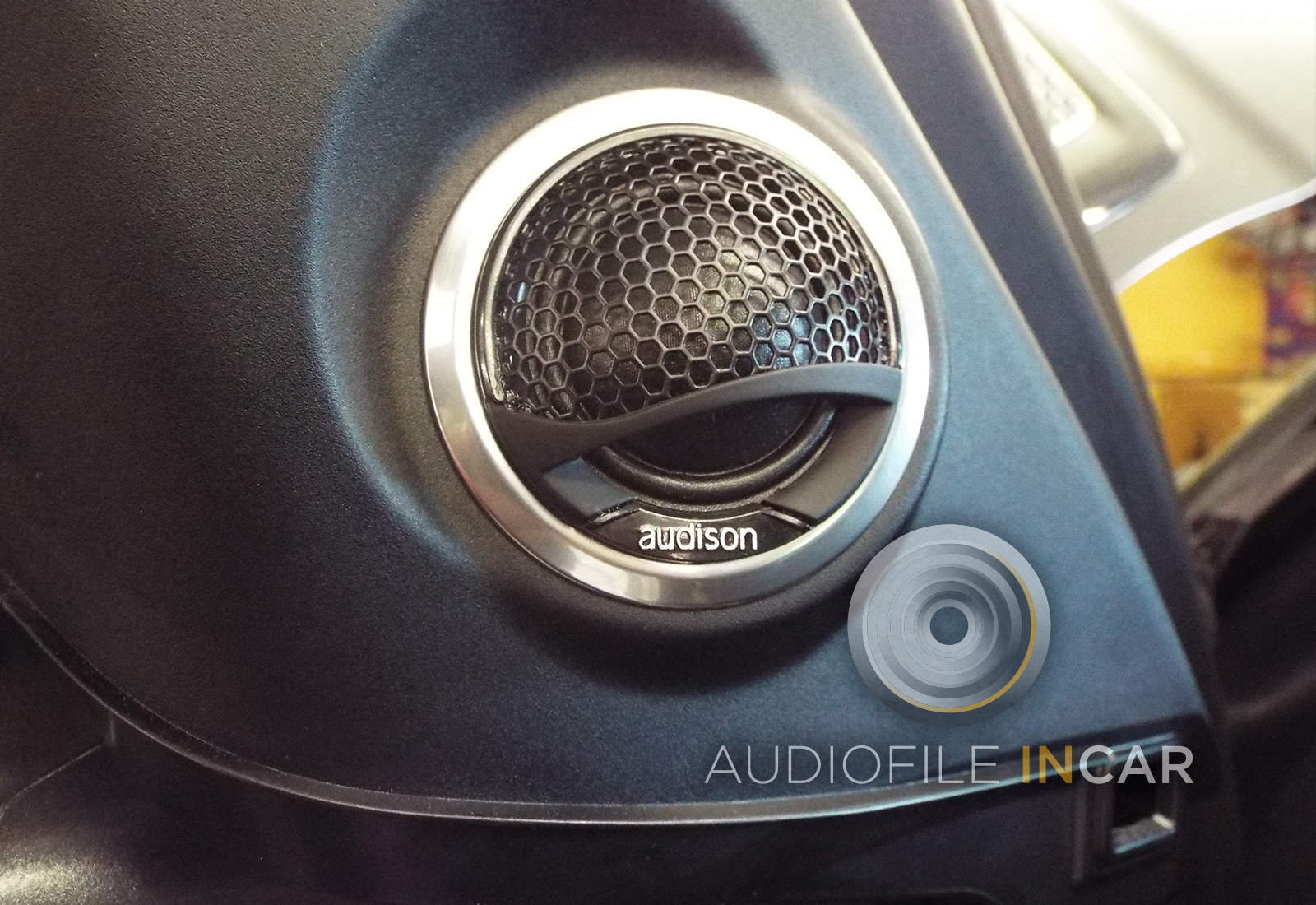 This shows an image of the Audison Voce tweeter installed beautifully into the quarter trim, this is the only visible sign that we have upgraded the audio system.